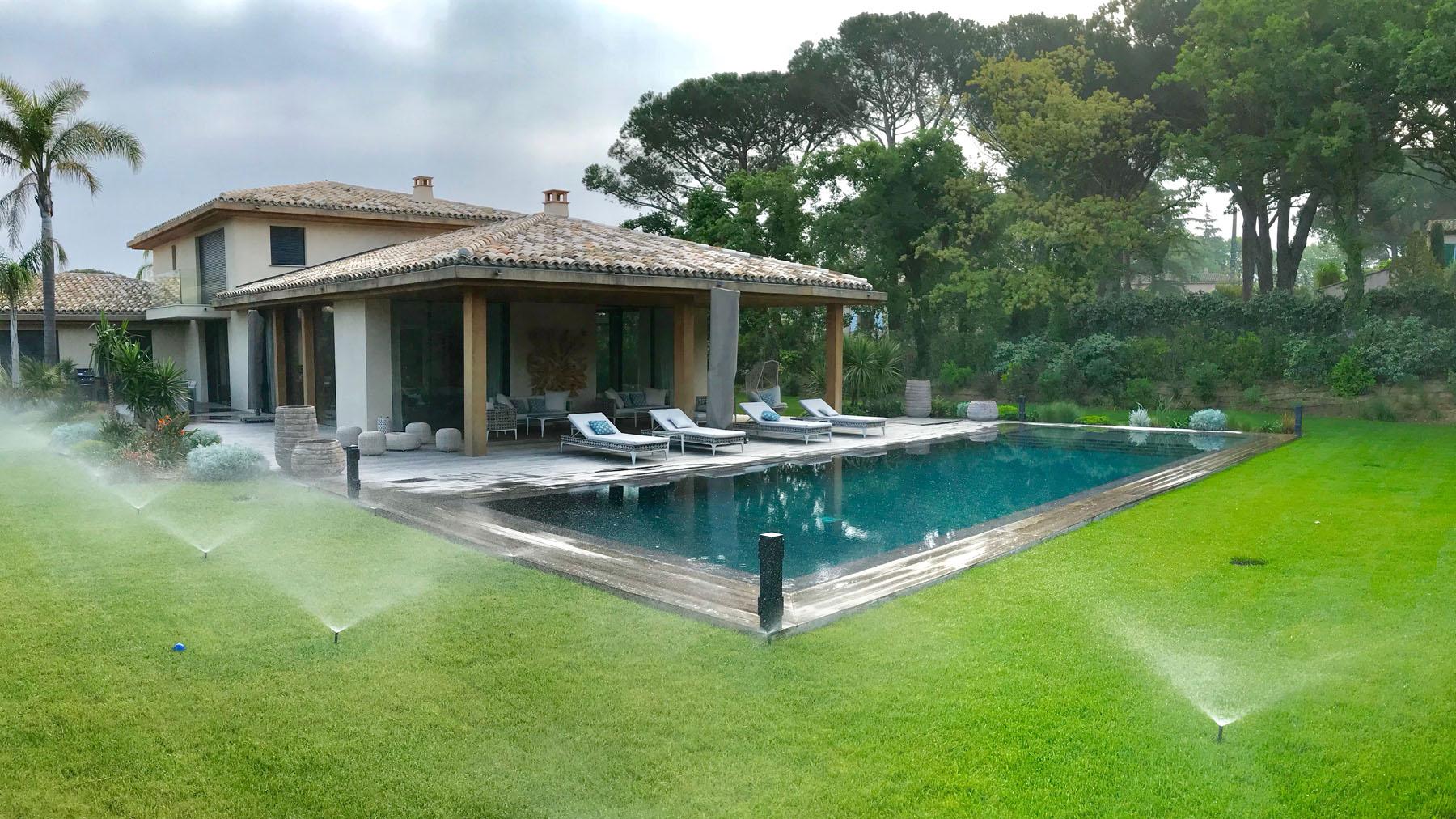 Aqua 2 A entretien de piscine golfe de Saint-Tropez